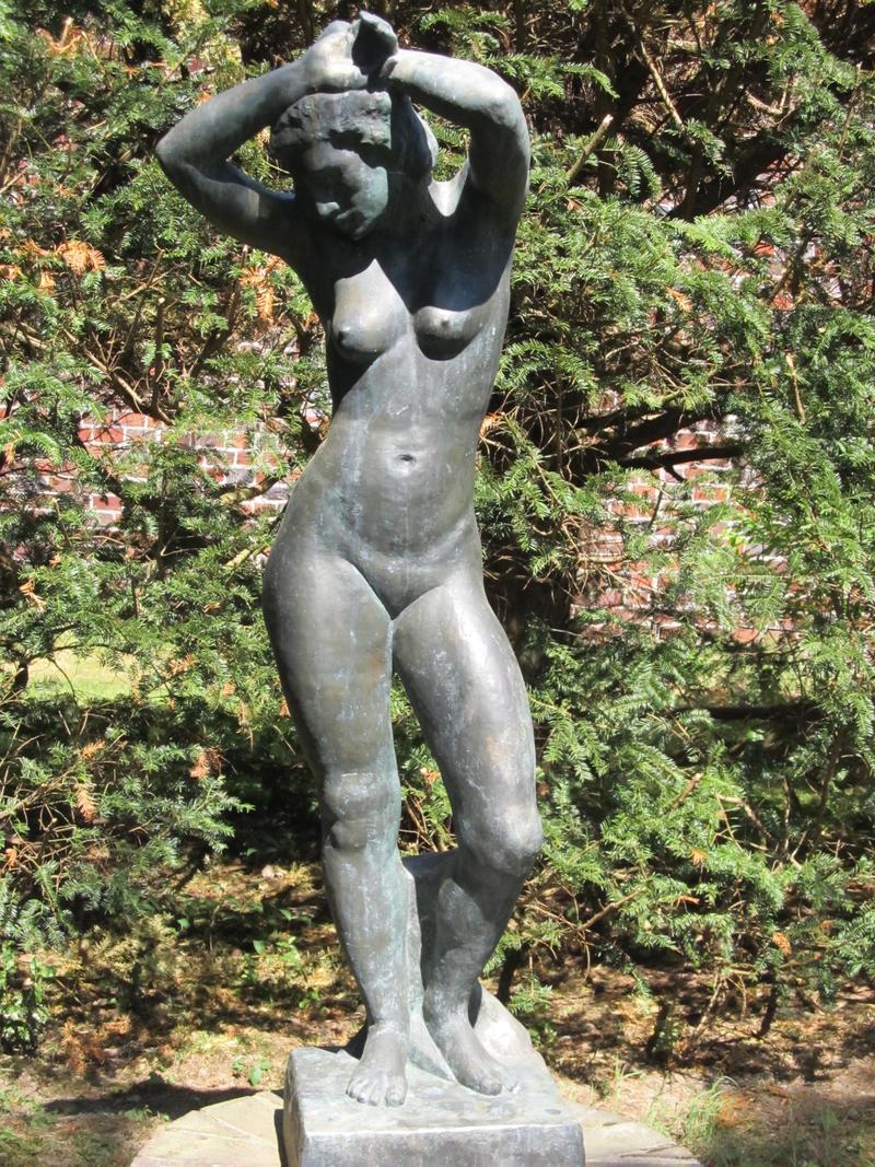 ValerianaSTOCK Sculpture Jutta Bossard by ValerianaSTOCK