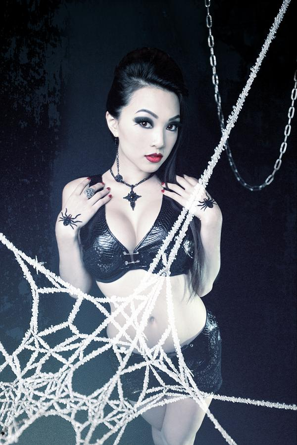 """White Web"" by VampBeauty"
