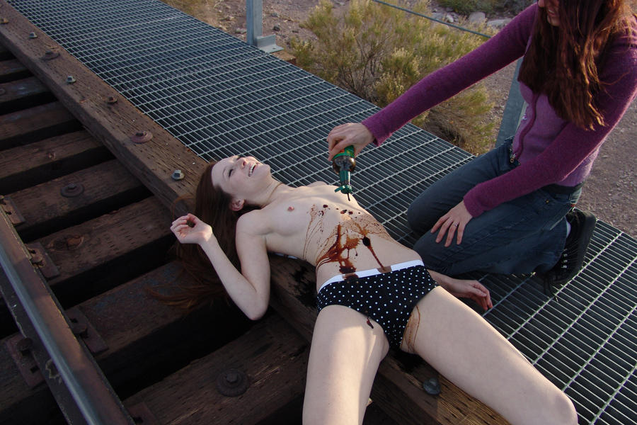 MAKING OF: Dead Girls by cherriness on DeviantArt: http://cherriness.deviantart.com/art/MAKING-OF-Dead-Girls-29737943