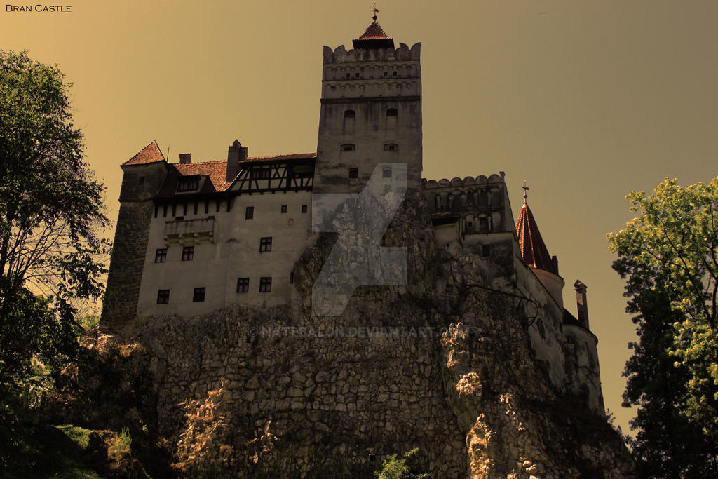 Bran Castle by Natebalon