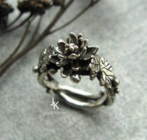 Cast silver lily ring