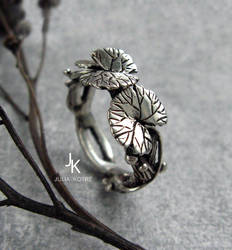 Cast silver lily pad ring
