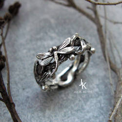 Cast silver dragonfly lily ring set