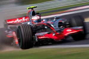 Heikki blows up dust by F1Snapper