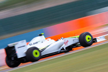 Rubens speeds by F1Snapper
