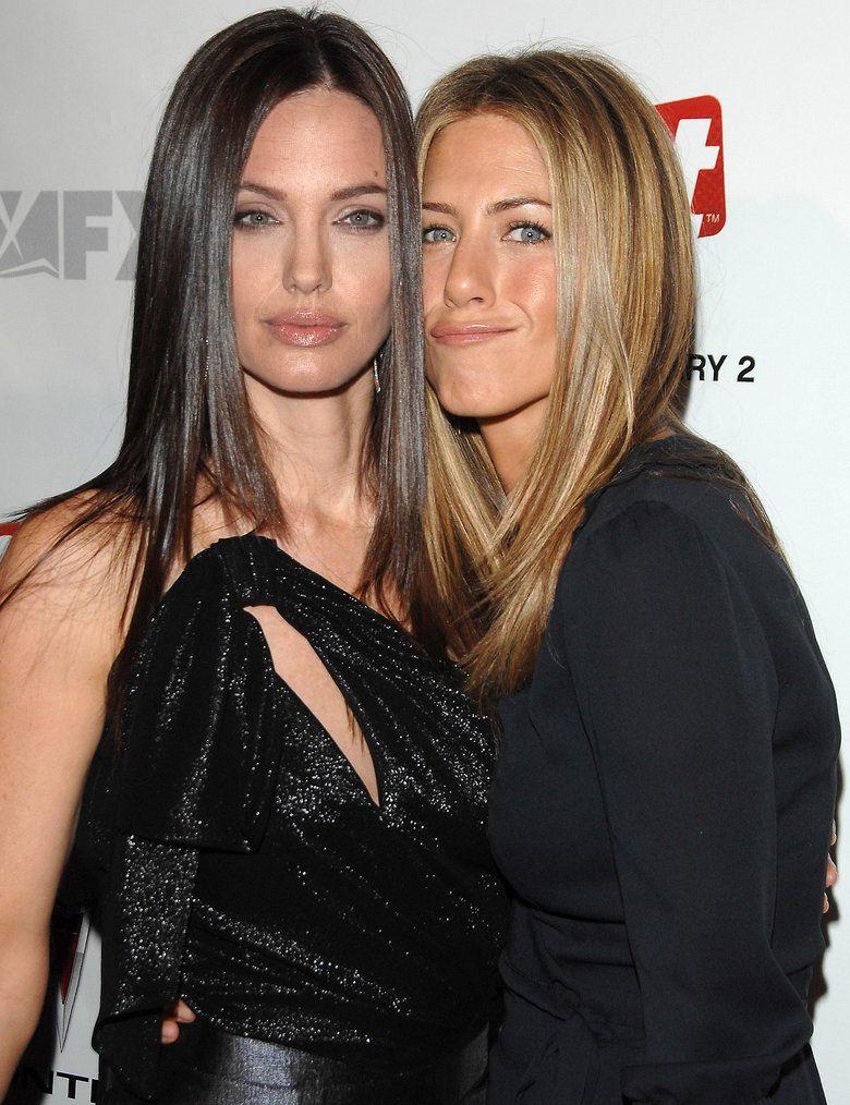Jennifer aniston and angelina jolie together