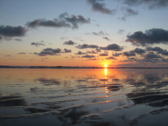 Ocean reflection by NaturalBornCamper
