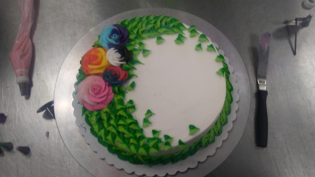 2tone roses cake by PlayerNamedQuix