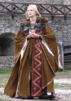 Larp: Lady in brown