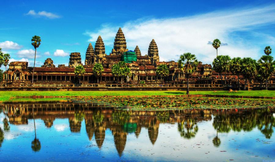 Angkor Wat by hahli9