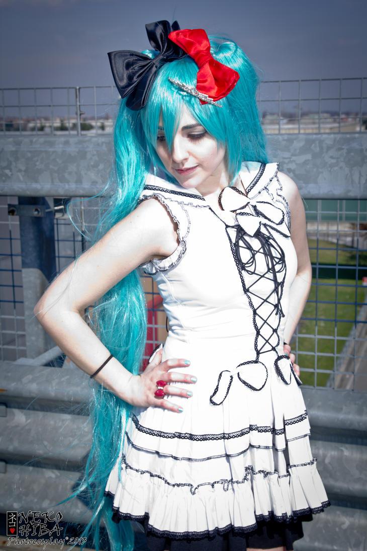 Hatsune Miku ~World is mine~ by NekoHibaPC