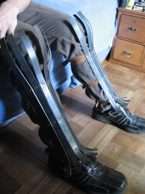 Byzantine leg armor by Aranglinn