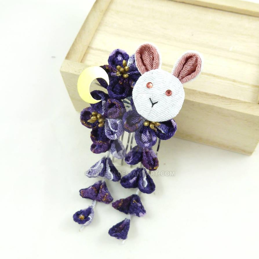 Bunny Chirimen Kanzashi by Arleen