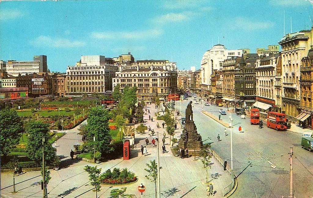 Vintage UK - Piccadilly, Manchester