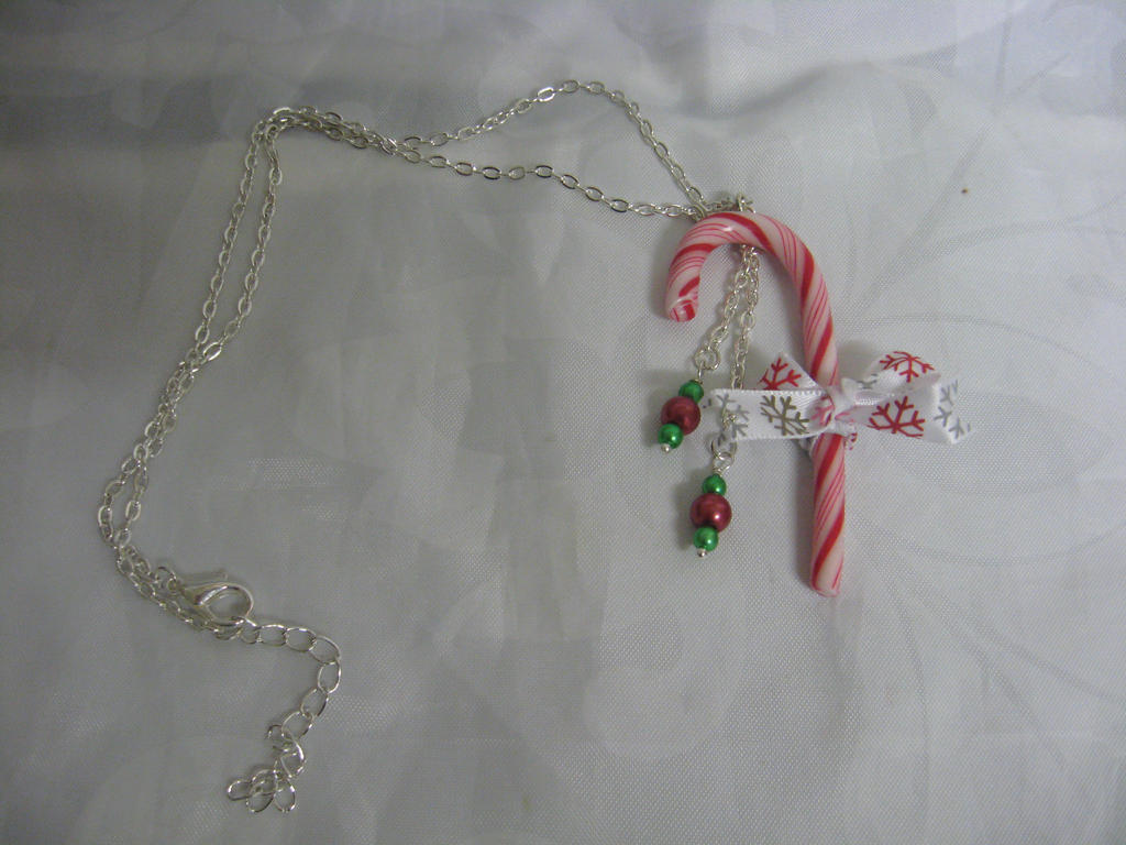 Candy Cane necklace by assassin-kitty