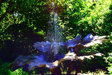 Fountain of Leafs by GonzoShepherd