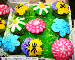 Spring Flower cupcakes by SweetSorrowIsMY2moro