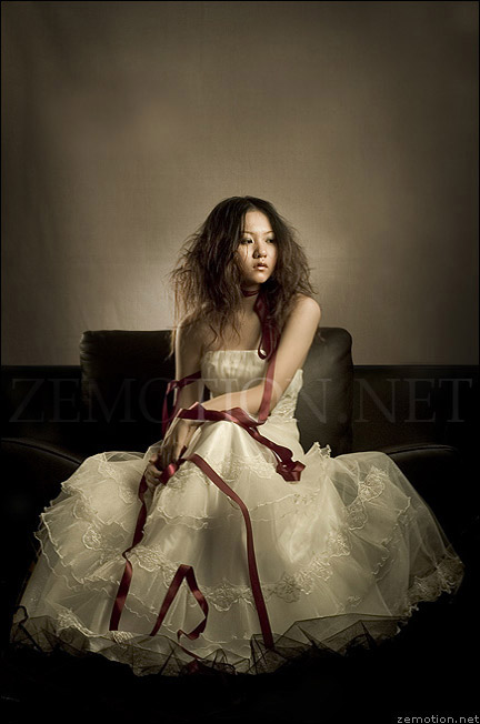 Ficha de Morgana The_Present_by_zemotion