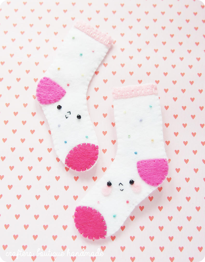 The Love Socks - Free Pattern by CraftersBoutique