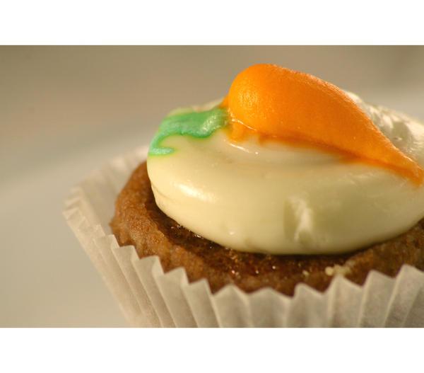 Buy Carrot Cake Online Uk