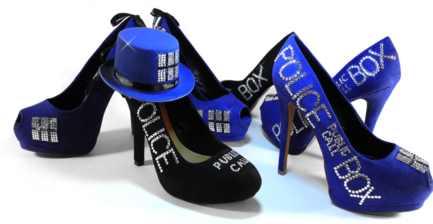 Tardis Shoes and Hat by ThePrincessNightmare