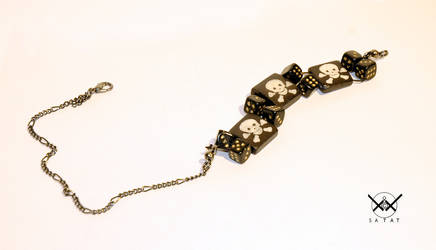 Glass and bone PIRATE choker by satat