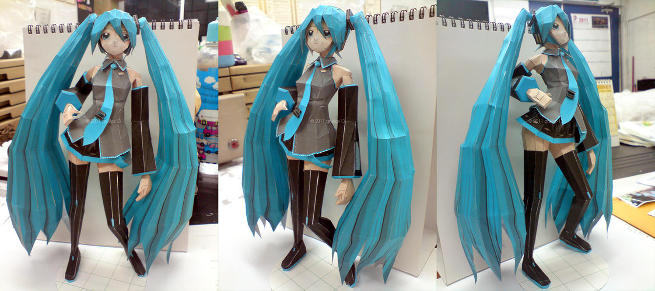 Papercraft Miku by qrullgx13