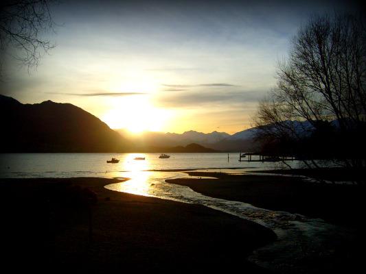Lake Wanaka Sunset by autoclavicle