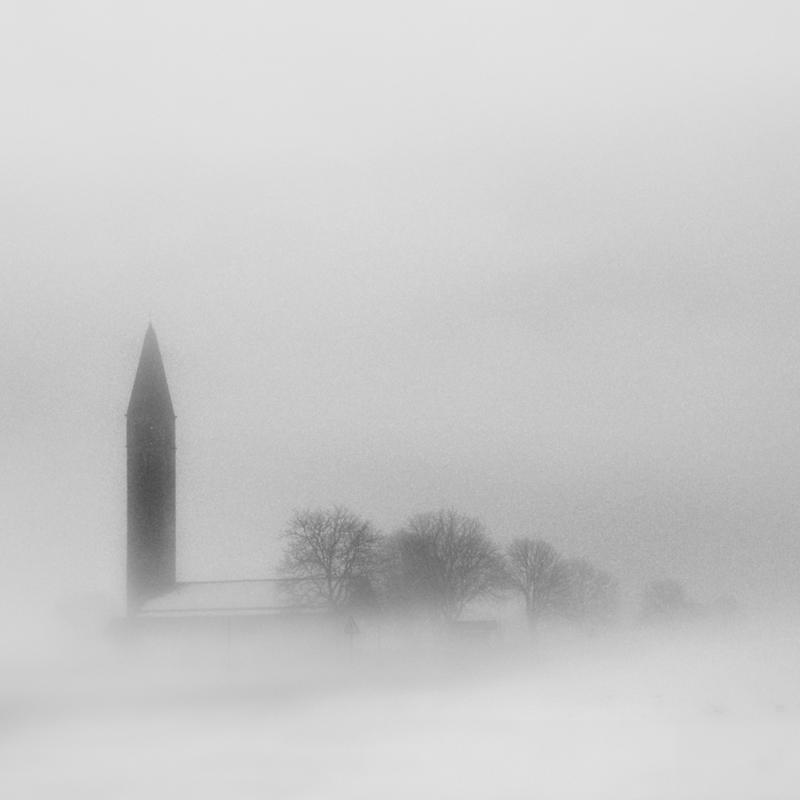 Abbey in the snow. by ilsilenzio