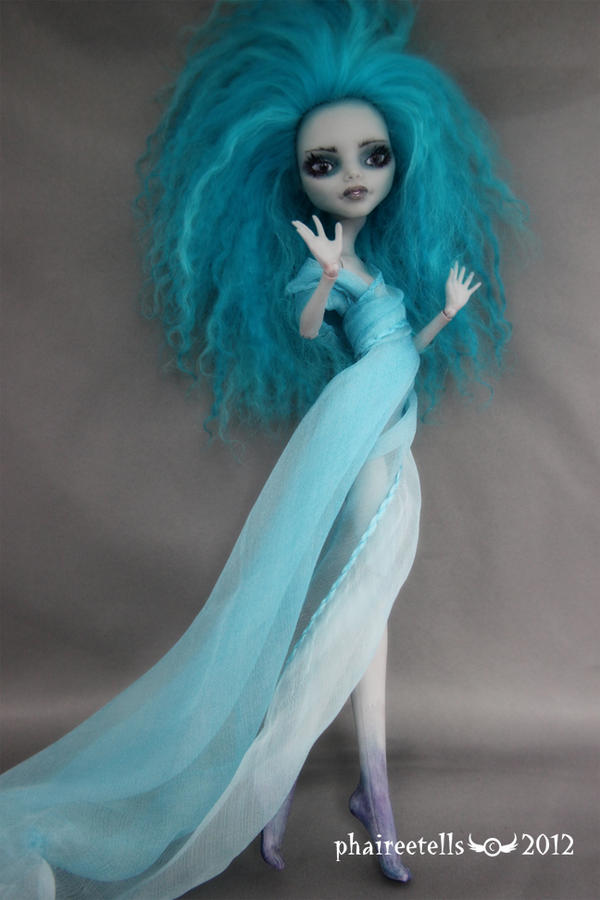 MH repaint custom GHOULIA commission EVERLY by phairee004