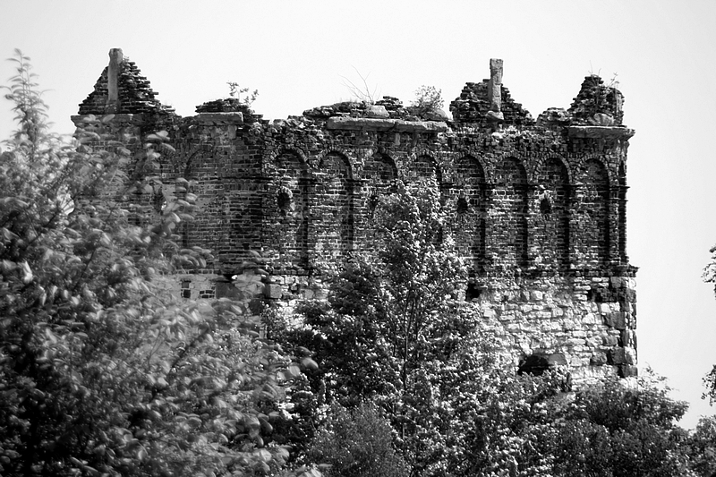 Ruins by boreasz