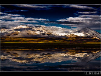 Reflecting Everest Range by FelixTo
