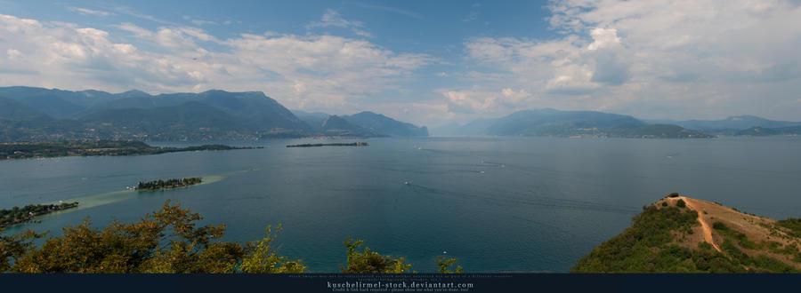 Lago di Garda Panorama by kuschelirmel-stock