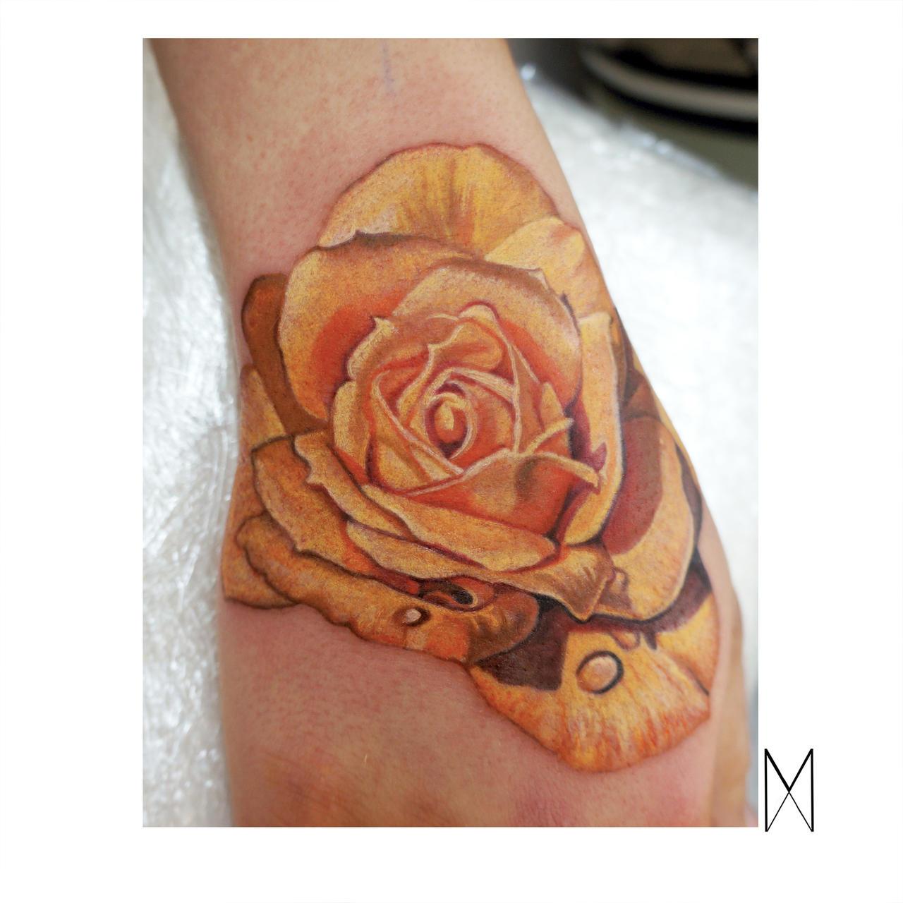 Rose hand by EnyaMahuta