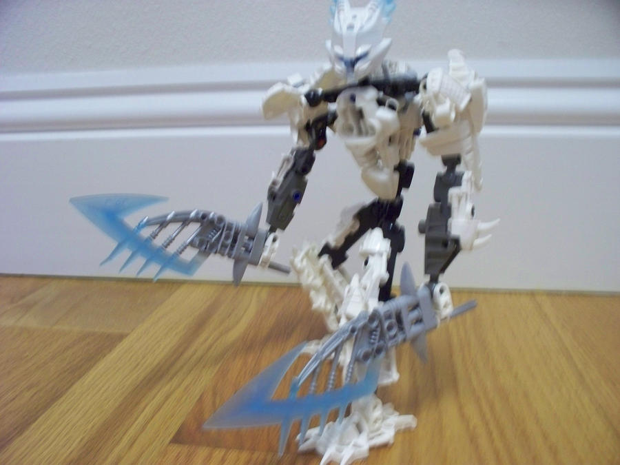 Bionicle MOC: Delik by jumpstartautobot