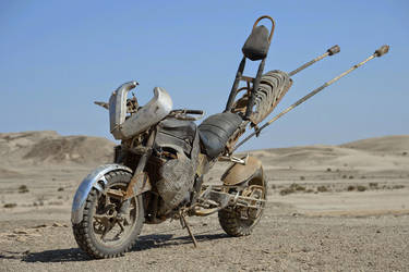 Mad Max Fury Road - Gastown Clan Motorbike by deafmusic