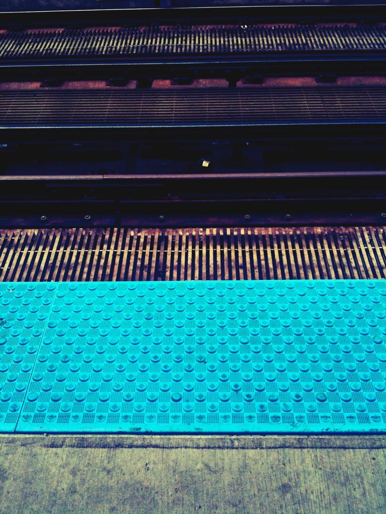 Vert Blue Circle by jonniedee