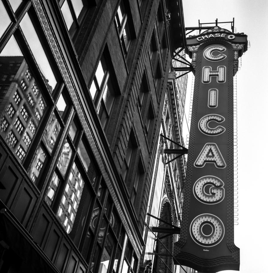 Chicago Theater by jonniedee