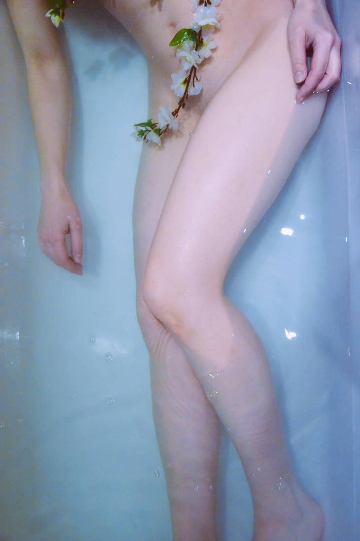 Sinking Friendships by Lenore-Hug