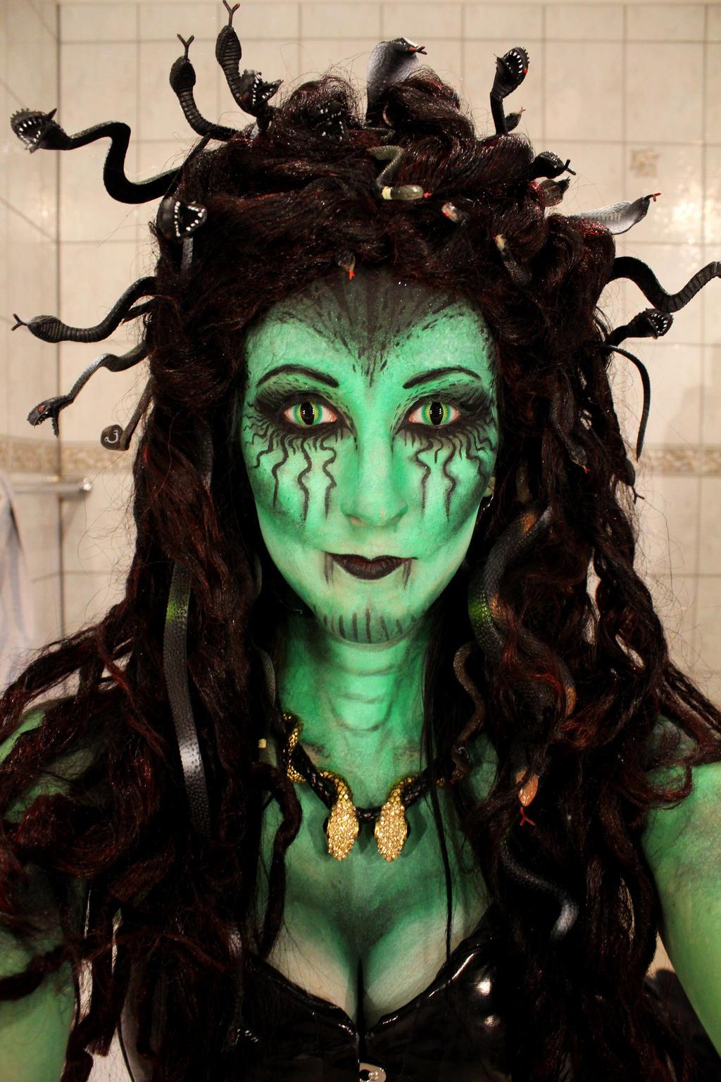 1000+ images about Medusa Cosplay on Pinterest   Medusa ...