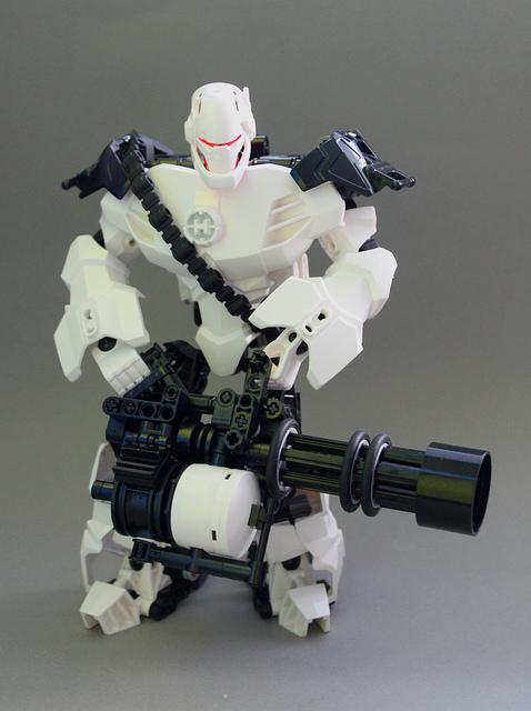 Robot Heavy by exxtrooper
