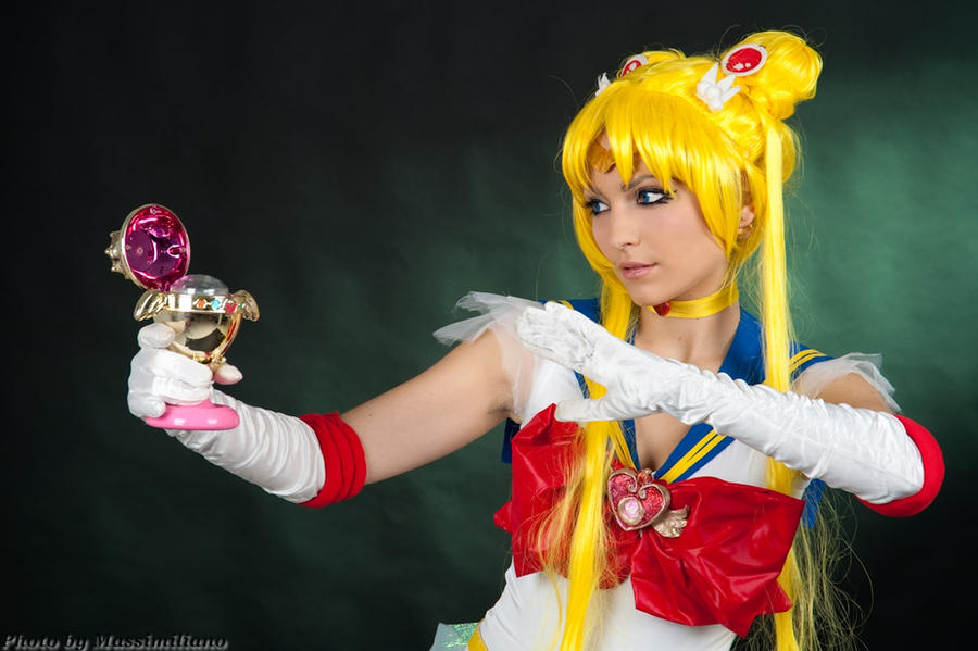 Sailor Moon Cosplay by Eyes-0n-Me