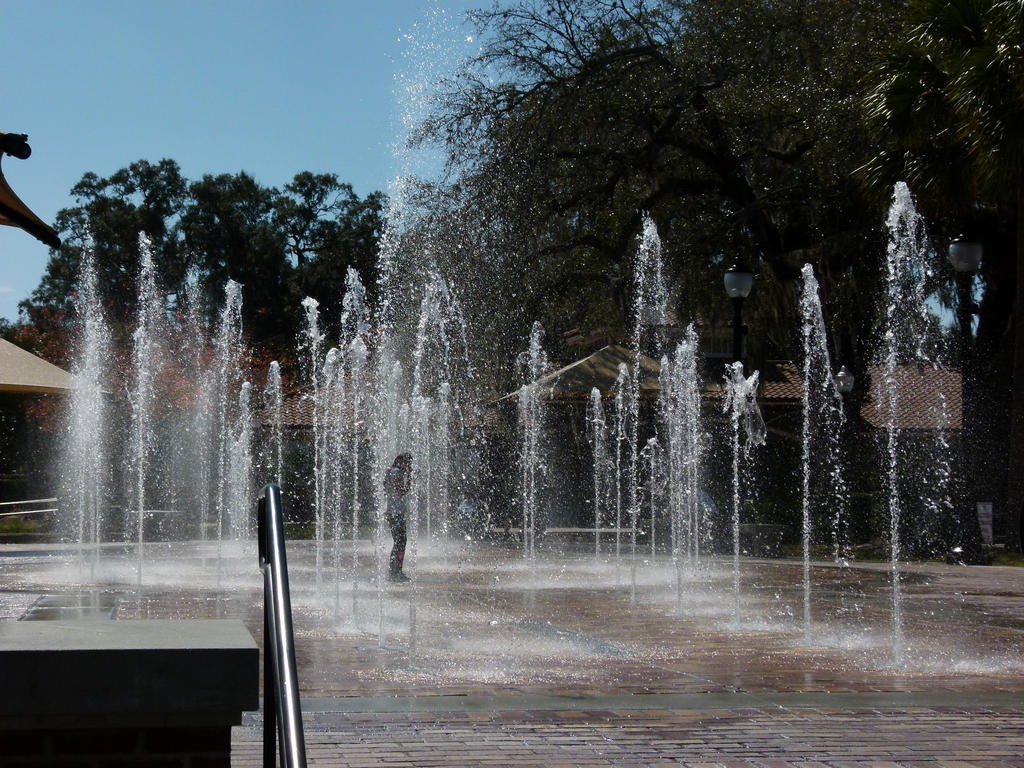 Dancing In the Fountain by ecfield