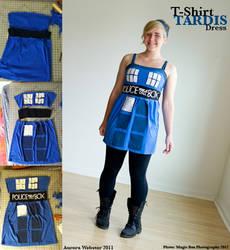 T-Shirt TARDIS Dress by slight-obstruction