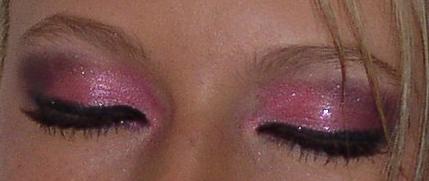 Pretty In Pink by SpyKittie