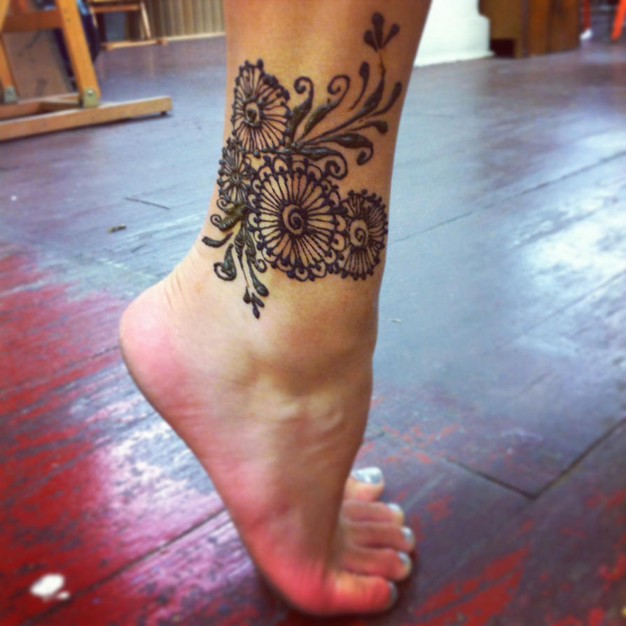 Mehndi Ankle Tattoo : Henna ankle by gennavieve on deviantart