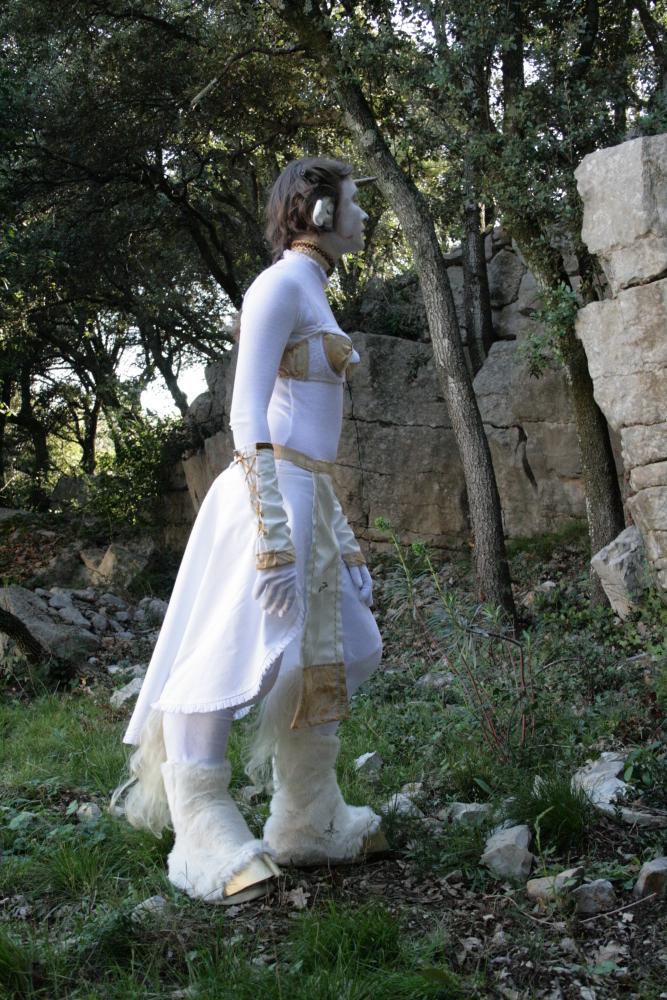 Deviantart source d'inspiration! Unicorne_Aube__Under_dress_by_Bear_Crafter