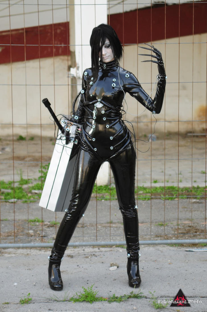 http://th01.deviantart.net/fs70/PRE/f/2010/134/3/8/cosplay_Sanakan__8_by_sadakochan87.jpg