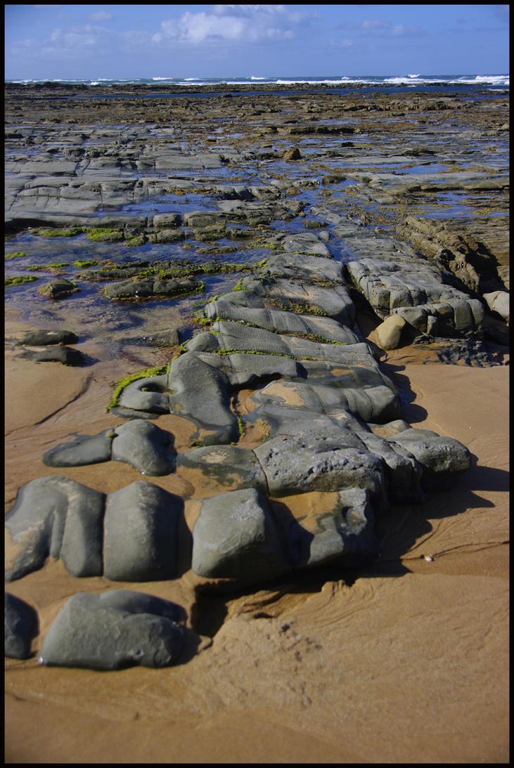 geometric rocks by Buddhalassie