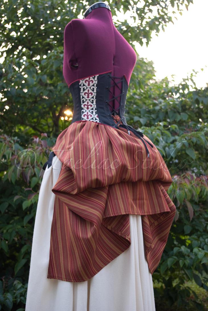Efecto Polison en una falda Steampunk_Bustle___sample_by_taeliac